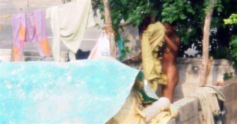 Desi Sex Scandals Videos Desi Kaamwali Bai Bathing Outside