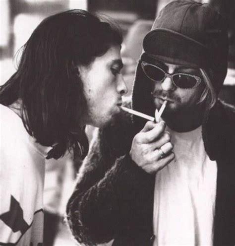 did kurt died kurt cobain and dave grohl up in smoke pinterest nirvana kurt cobain and smoking