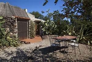 Haus Am Meer Spanien Kaufen : sardinien ferienhaus alleinlage rundhaus meerblick bei ~ Lizthompson.info Haus und Dekorationen