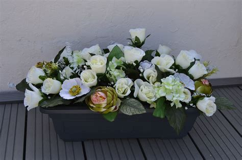 jardini 232 re de fleurs artificielles pour le cimeti 232 re faites maison au fil des fleurs 51