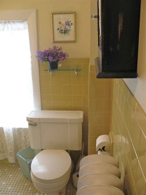 Yellow Tile Bathroom Paint Colors by Yellow Tile Bathroom Makeover The Walls Were Painted A