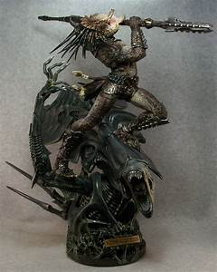 "Predator Vs. Queen Alien ""King & Queen"""