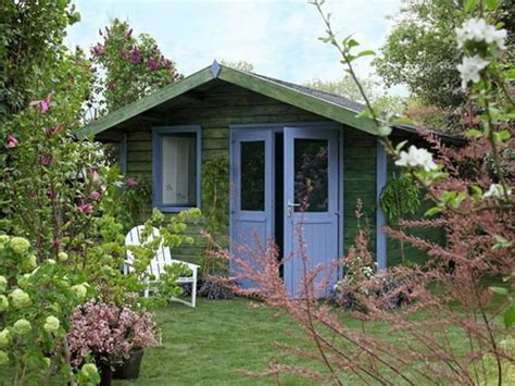 small garden house design and interior decorating ideas