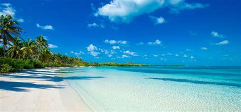 pulau bawah  deserted island    eco