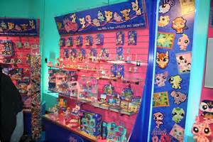 Hasbro Littlest Pet Shop Toys