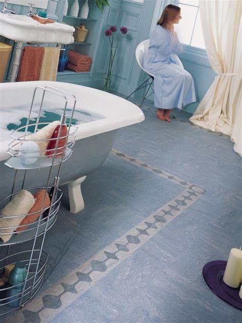 linoleum flooring b q top 28 linoleum flooring b q isalenia whitewood effect matt vinyl flooring 6 m 178 grey