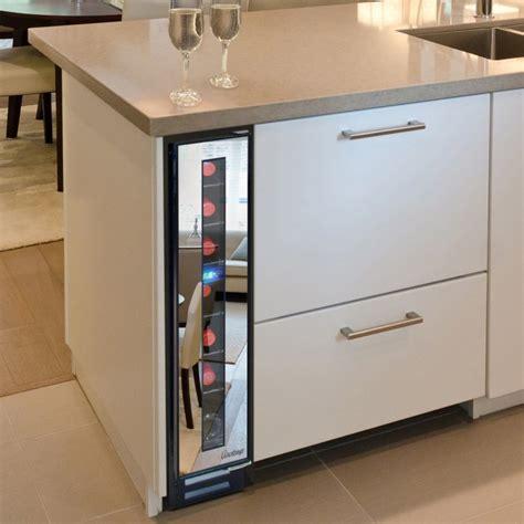 wine cooler for kitchen cabinets chłodziarka do wina firmy vinotemp design ze świata 1906