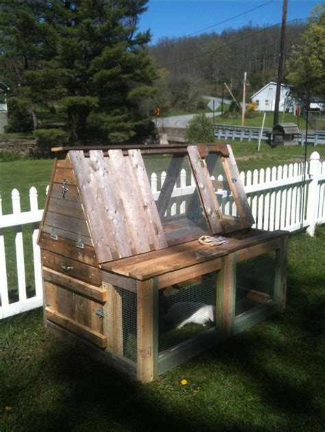 diy rabbit hutch  pallets woodworking projects plans
