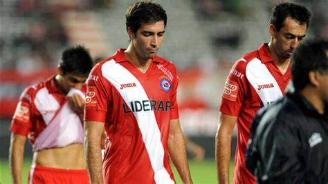 The club is mostly known for its football team, which currently plays in the argentine primera división. Argentinos Juniors descendió al Nacional B | Mundo D