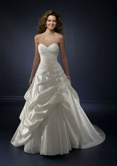 beauty   budget wedding dresses   bravobride