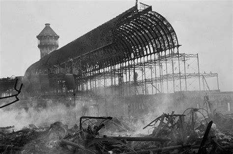 30 novembre 1936 Londra,il Crystal Palace viene distrutto ...
