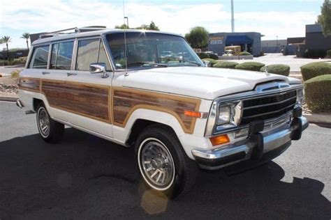 jeep grand wagoneer limited   miles pearl