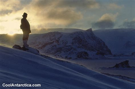 Thumbnails - People 7 - Free use pictures of Antarctica