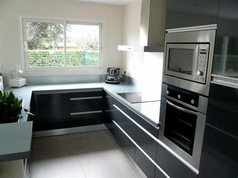cuisine grise plan de travail noir cuisine plan de travail gris