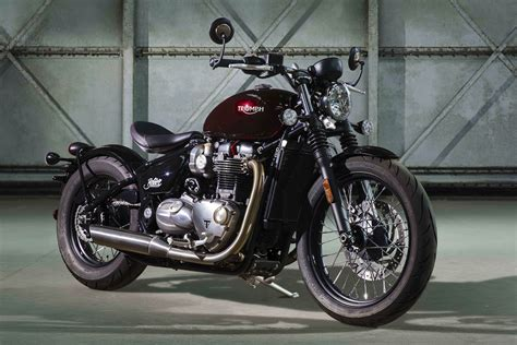2017 Triumph Bonneville Bobber First Look