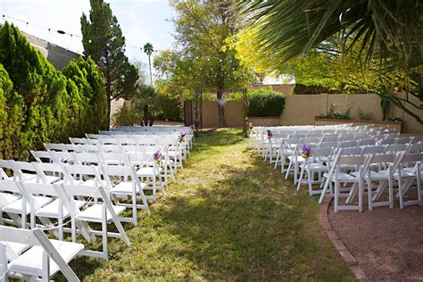 pros  cons  throwing  backyard wedding bridalguide