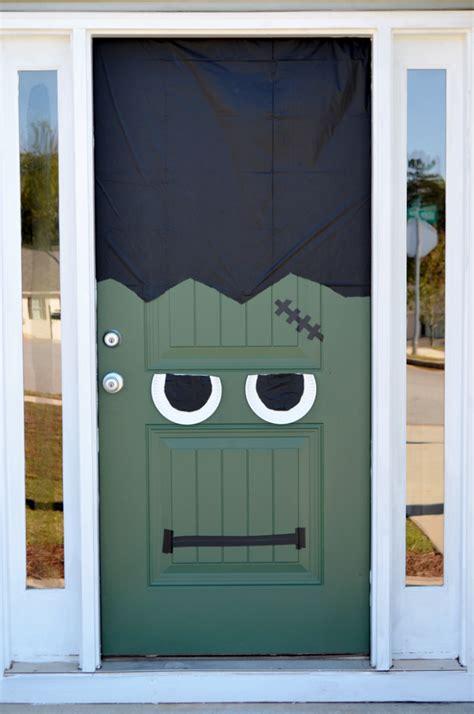 fun spooky   easy diy halloween door