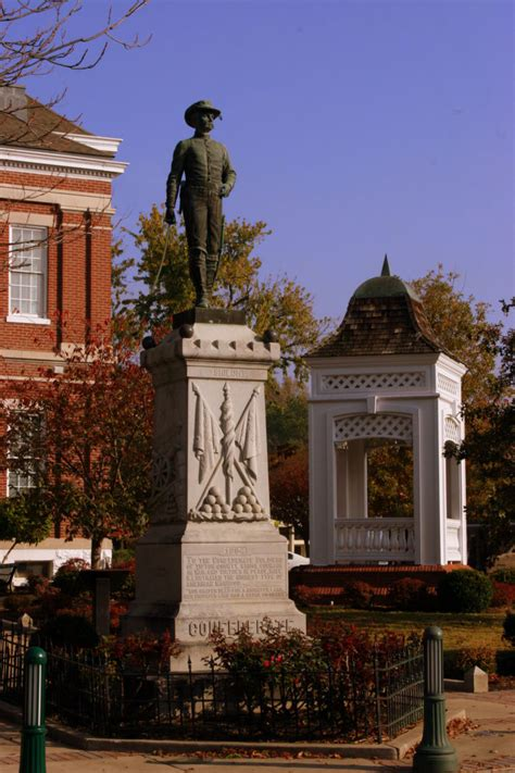 historic town  covington tennessee   great day