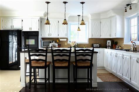 faire revenir en cuisine armoires de cuisine peinturées changement lumineux