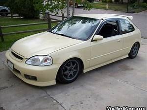 1997 Honda Civic Hatch with Custom Ivory Paint Job