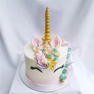 Smiling Unicorn Cake – Corine and Cake