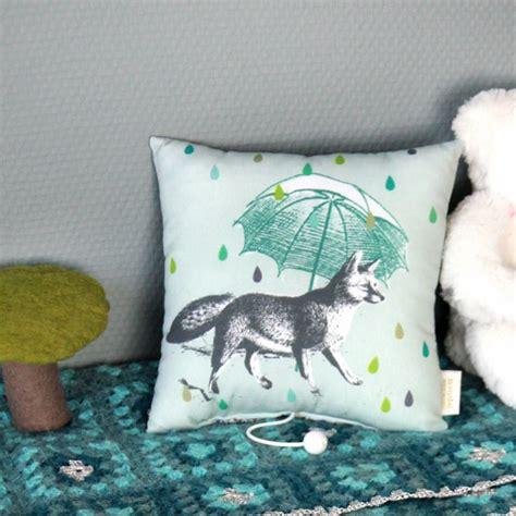 chambre chanson douce coussin musical éléphant pour un cadeau de naissance