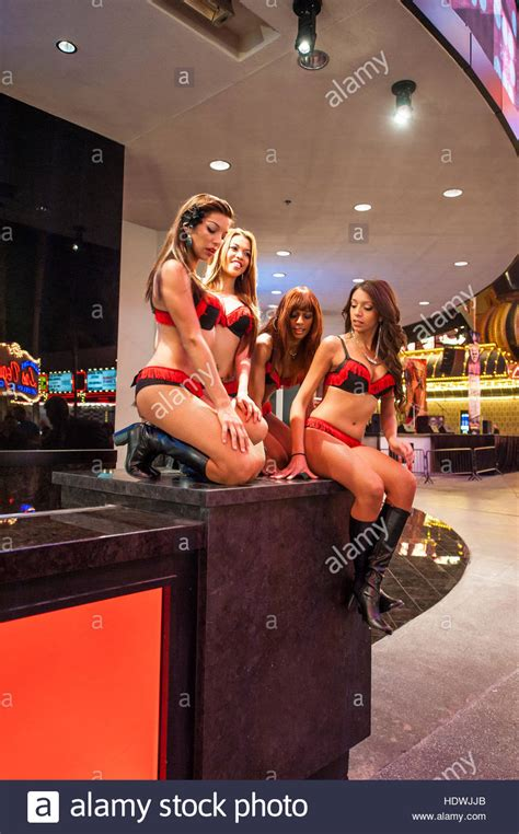 bar girls    casino hotel bar  fremont street