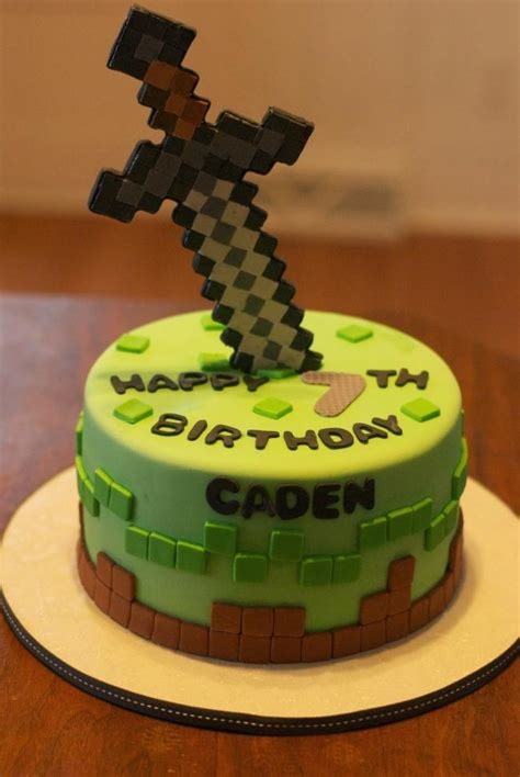 17 of the coolest minecraft birthday cakes created