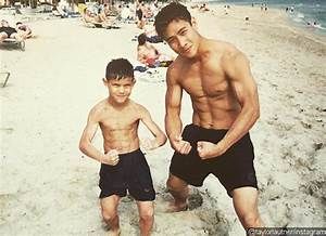Taylor Lautner Always Has a Six-Pack, Even When He Was 7 ...