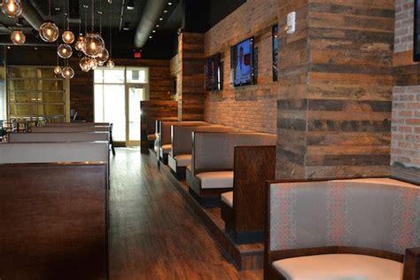 restaurant flooring  loop bar restaurant