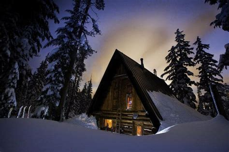 cabin cabins rustic ski oregon snowshoe rentals winter romantic washington forests hemlock shelter survival snow snowy woods lake remote colorado