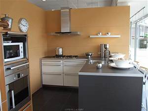 Best kitchen interior design ideas decobizzcom for Interior designs of small kitchens