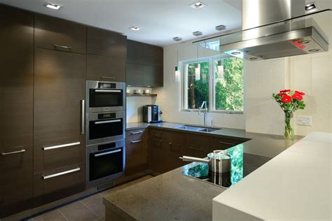 Warm, Modern Kitchen  Modern  Kitchen  Toronto By