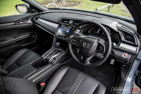 honda civic 2017 interior 2017 hyundai i30 sr vs honda civic rs warm hatch