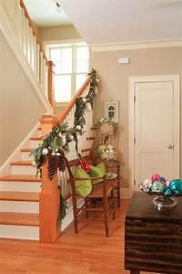 23, gorgeous, christmas, staircase, decorating, ideas