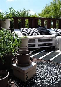 10 idees pour amenager un balcon With tapis moderne avec mini canapé balcon