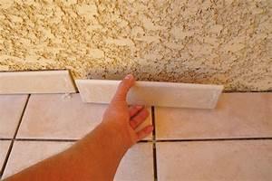 Pose De Plinthe Carrelage : comment poser du carrelage bricobistro ~ Melissatoandfro.com Idées de Décoration