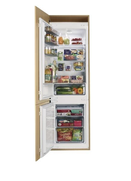 Lamona Integrated Fridge Freezer 70/30   Howdens Joinery
