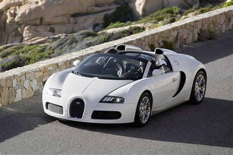 Bugatti Veyron Review by Bugatti Veyron Coupe Review 2006 Parkers