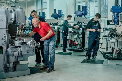 Visstraujāk darba samaksa privātajā sektorā pieaugusi Liepājā