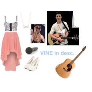 Shawn Mendes Singing