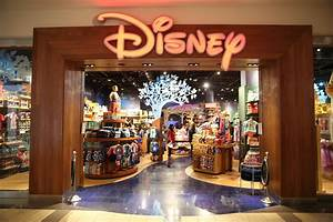 Disney Store Celebrates Grand Opening of New Location at