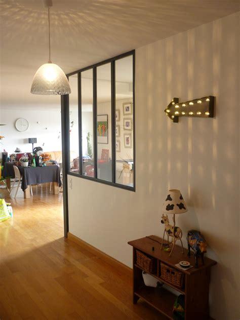 cuisine entree cuisine ouverte avec verrière style atelier