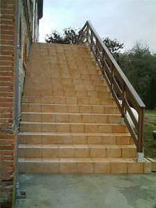Rampe escalier extérieur et carrelage