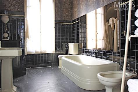 meubles de style salle de bain retro noire  mires