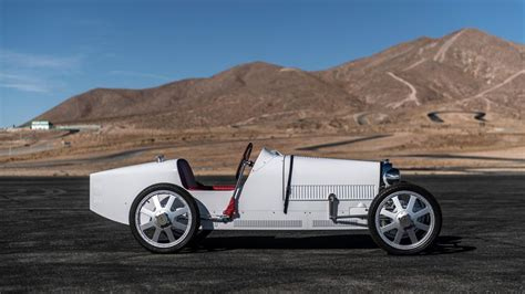 Visa for the baby ii, which made a stop at the willow springs international raceway, allowing a lucky few the opportunity to hop behind the wheel. Bugatti Baby II is an electric scaled-down Type 35 race car for kids - Roadshow