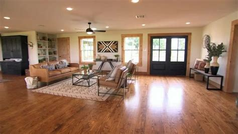 Hgtv's Fixer Upper With Chip