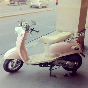 The 25+ best Pink vespa ideas on Pinterest | Vespa ...