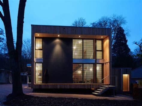 trouver une chambre une maison bois en forme de cube
