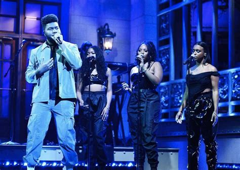 Watch Khalid's Smoldering 'Saturday Night Live' Debut